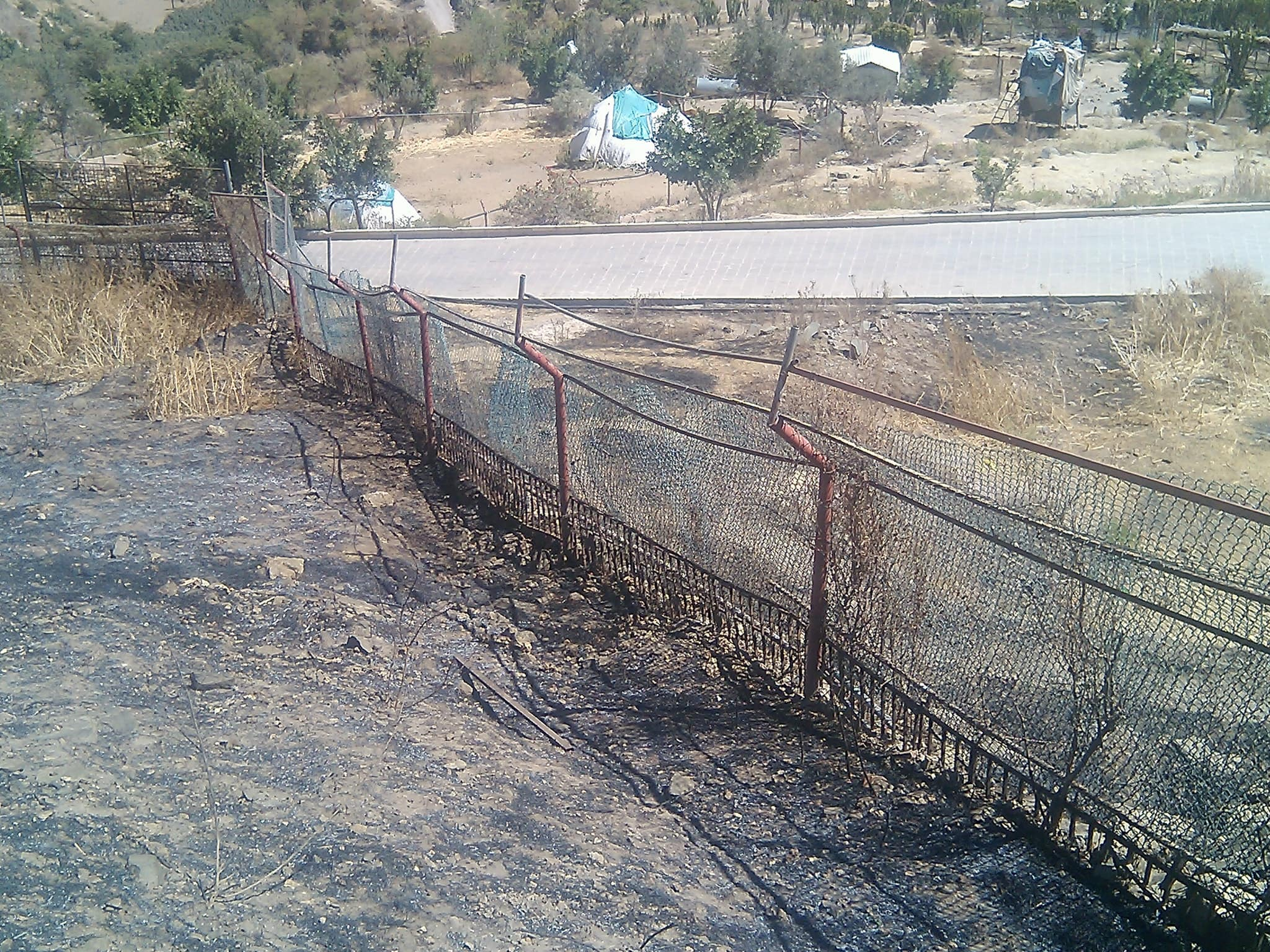 IBB ZOO OPENRANGE FENCING we must repair so we can house the taiz zoo lions pic from haitham 17 FEB 2018.jpg