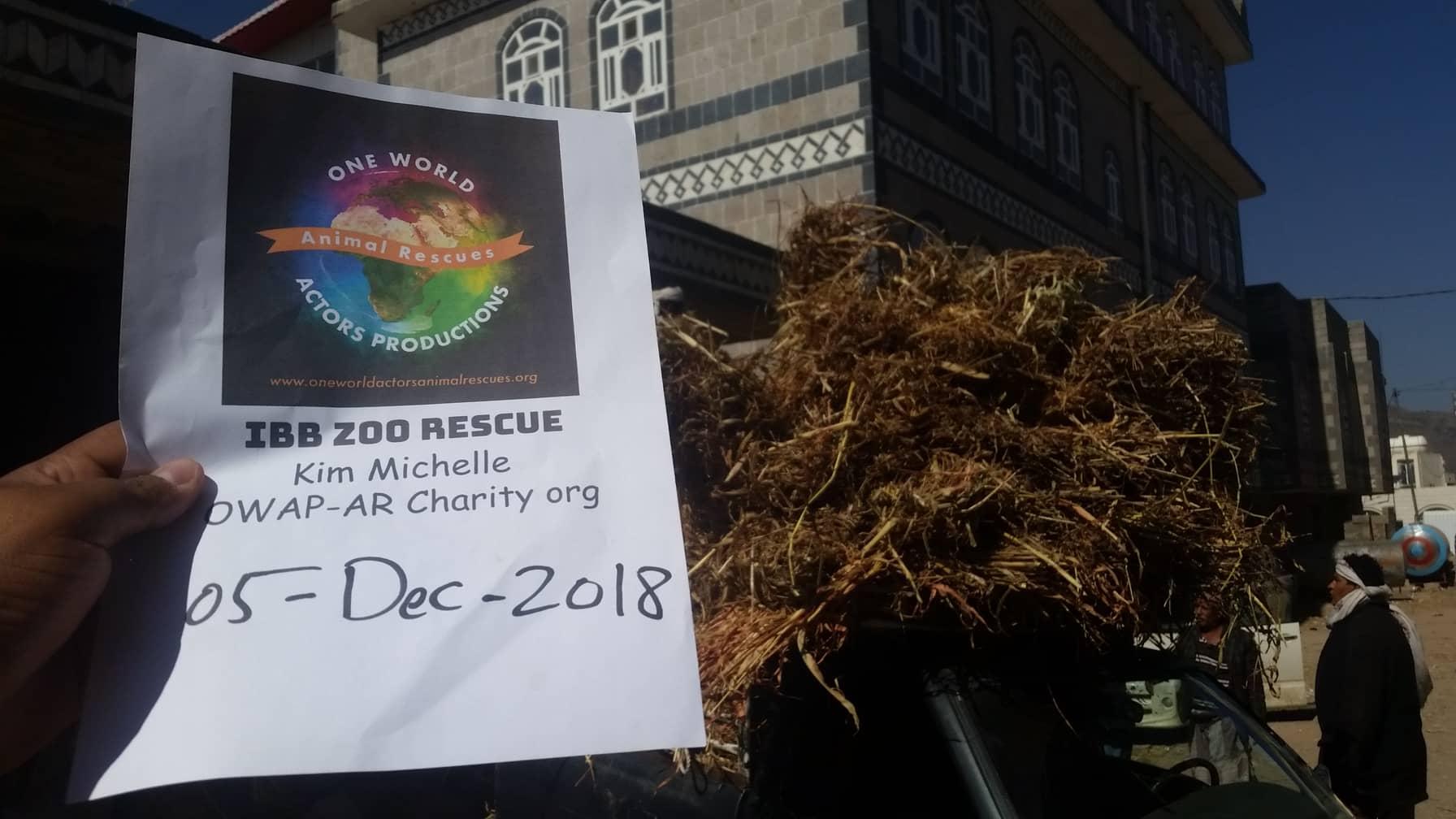 ibb zoo unloading delivery fodder for camesl horses and donkeys   5 DEC 2018 by OWAPAR hisham with sign zabedi supplier from hodeidah.jpg