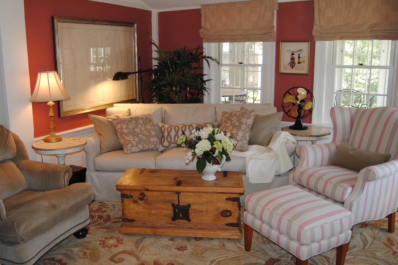 belmont family room