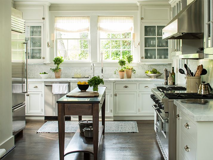 This gorgeous classic kitchen in Birmingham is by one of my favorite designers, Phoebe Howard.
