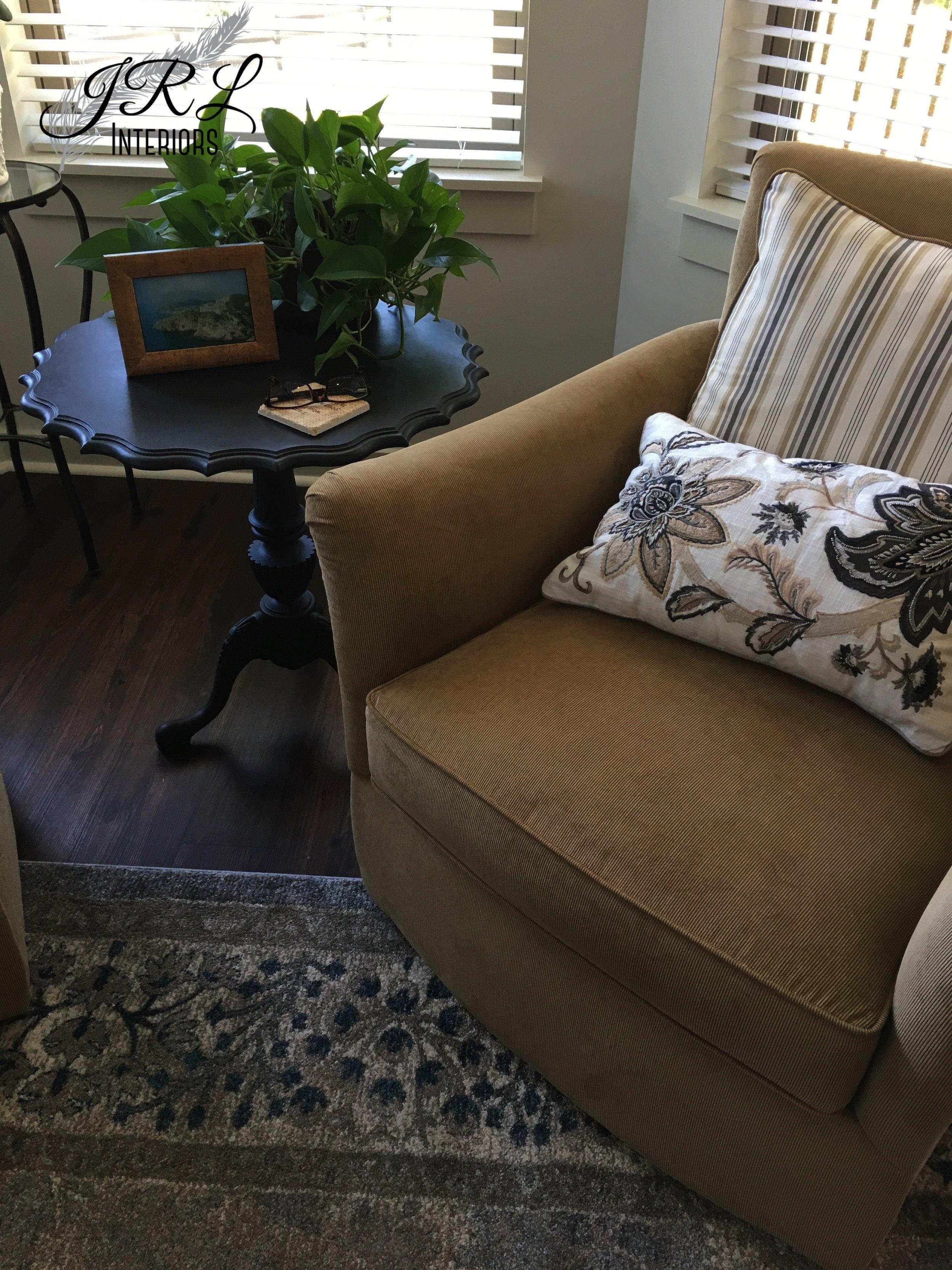 Custom swivel chairs