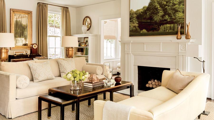 The Birmingham living room of editor Lindsay Bierman by   Phoebe Howard   via   Southern Living  . Photo by   Laurey W Glenn