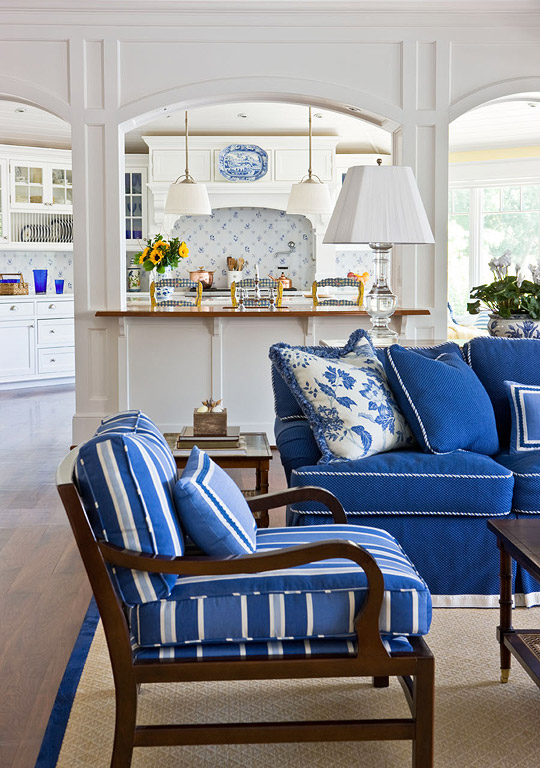 Image via   Traditional Home   by     Kelly Proxmire   ,  photo by   Gordon Beall