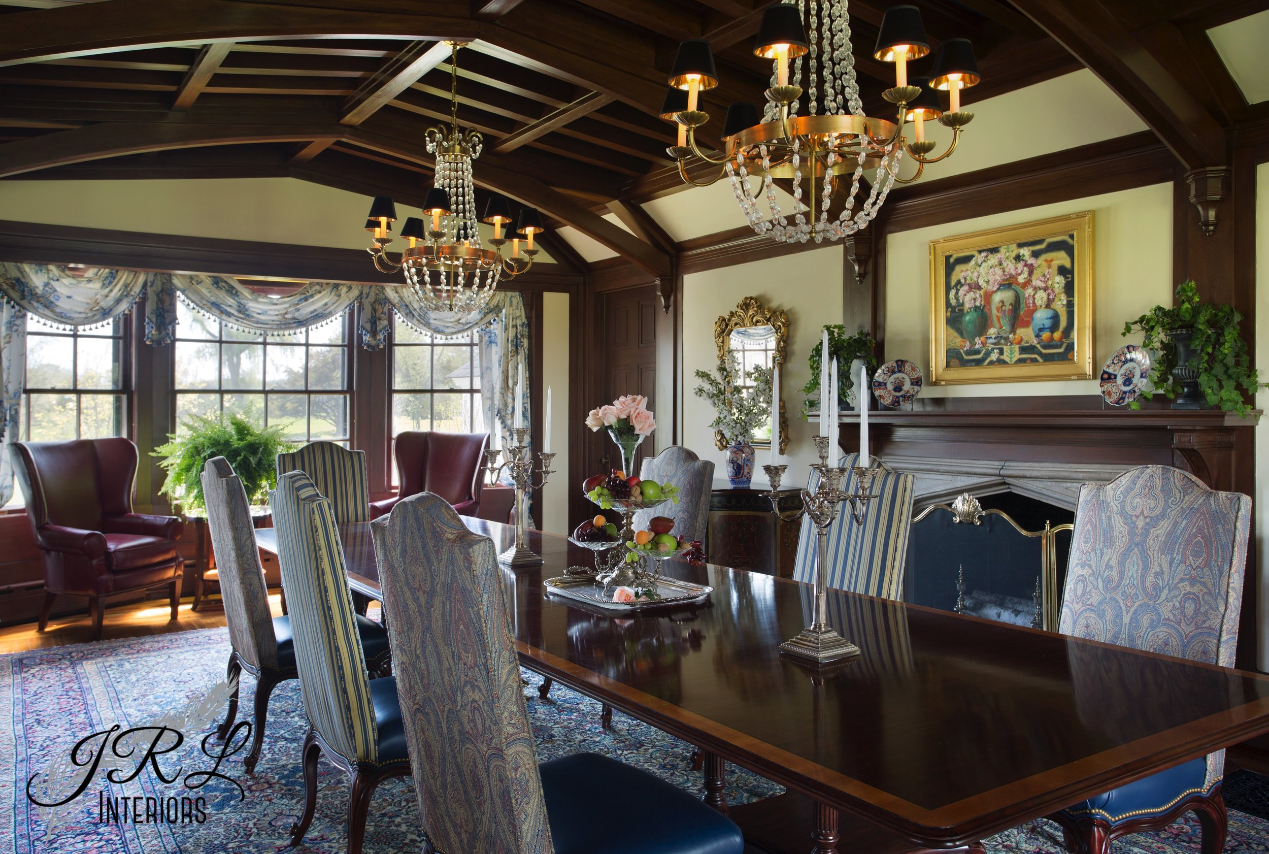 Massachusetts North Shore Dining Room:  Design by JRL Interiors, Photo by Eric Roth
