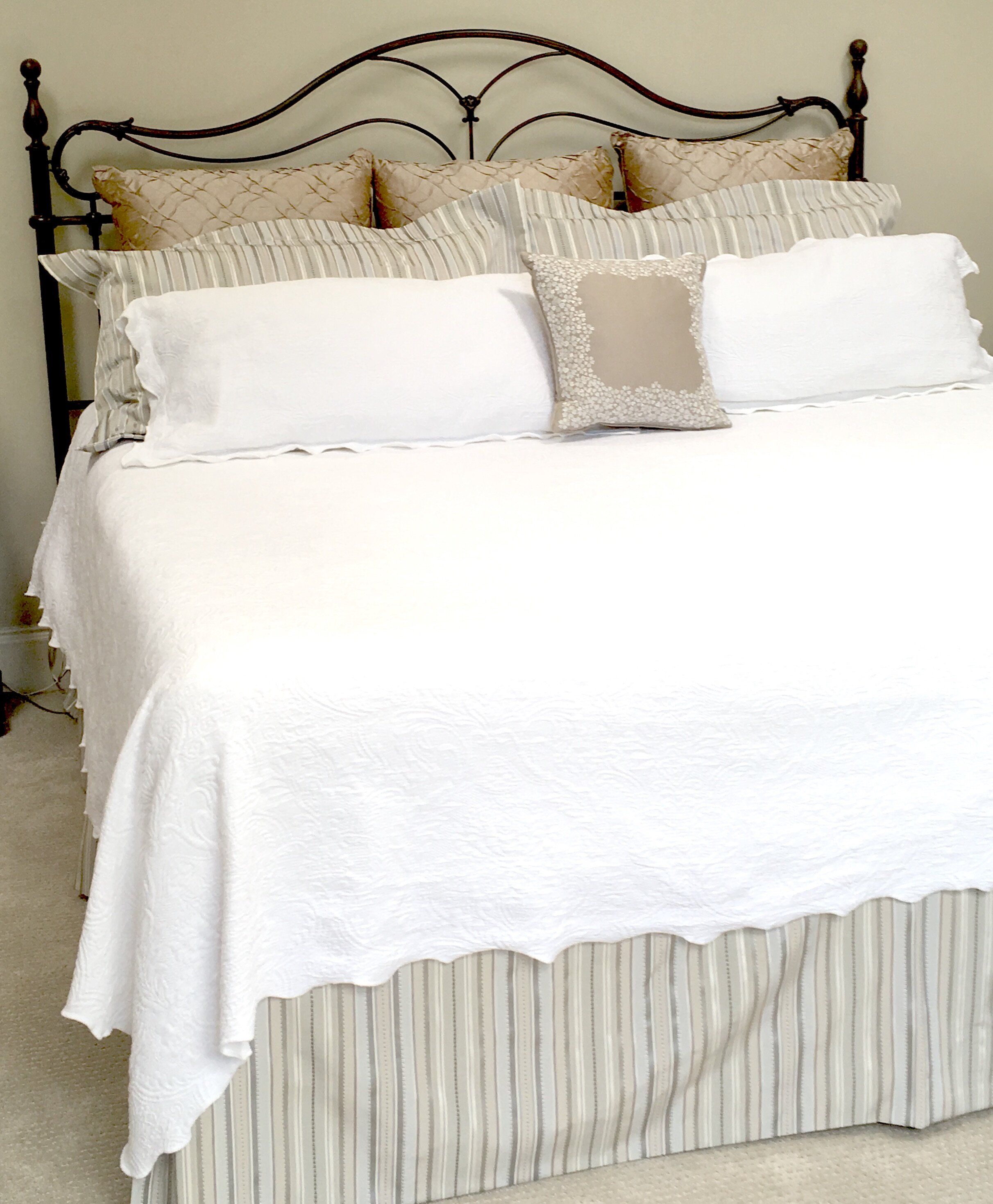 Jrl Interiors How To Style A Bed Like A Pro