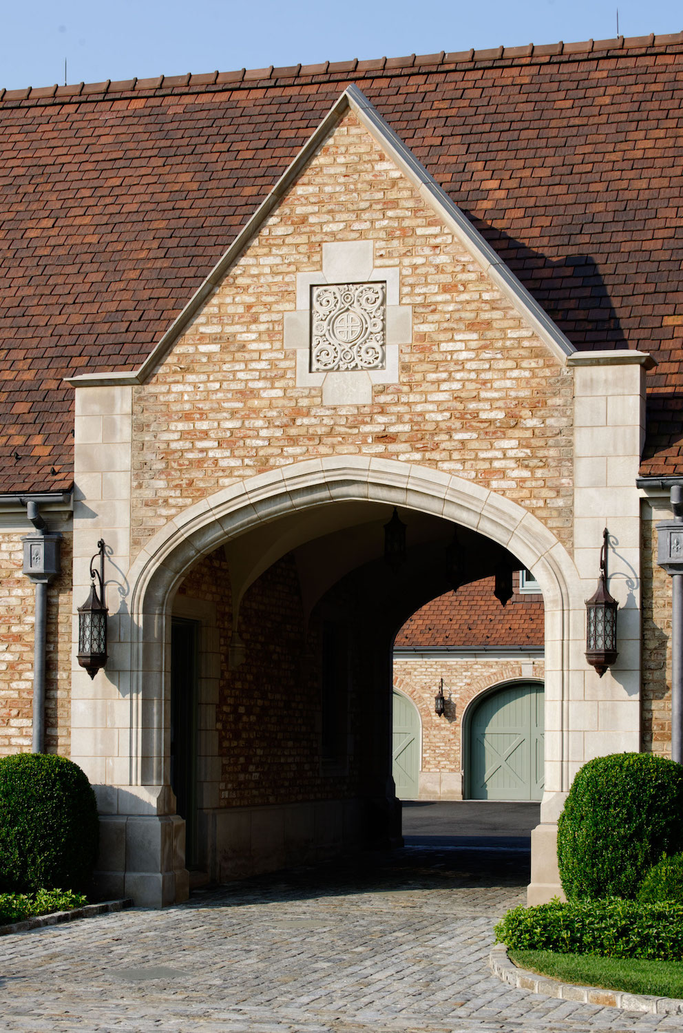 0309-entry-court_archway.jpeg