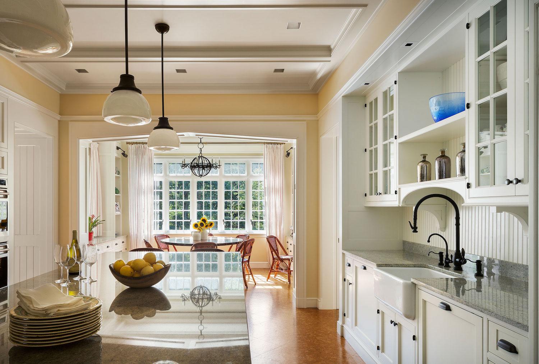 1004-Kitchen-1.jpg
