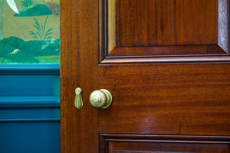 0901_door knob detail.jpg