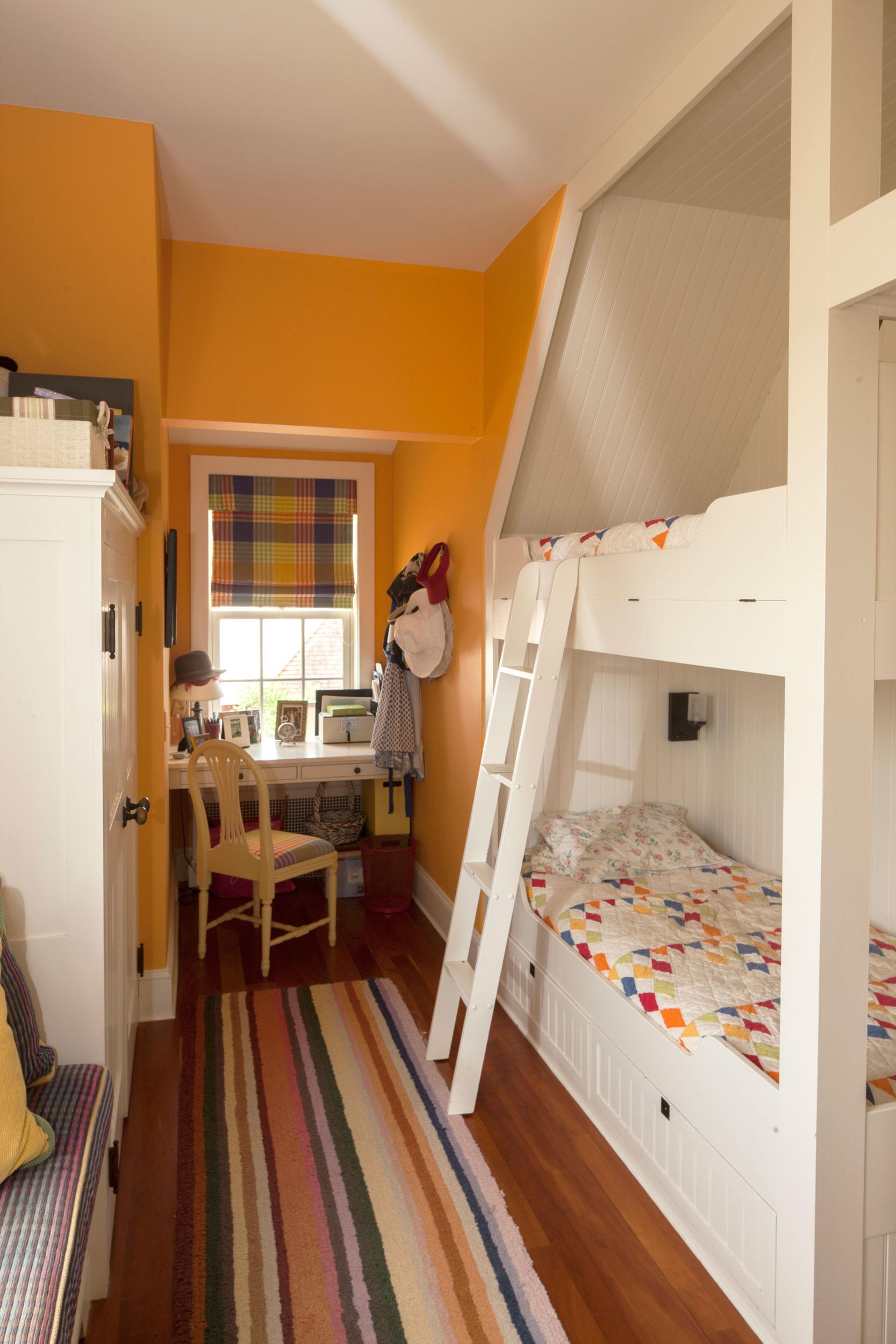 9616_bedroom.jpg