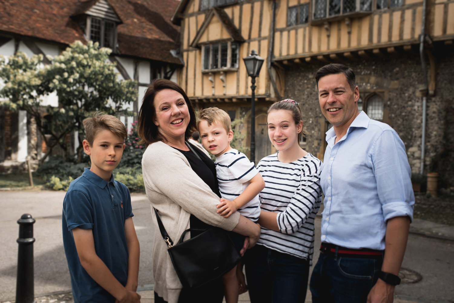 Winchester historic buildings family photoshoot. Hampshire Photographer