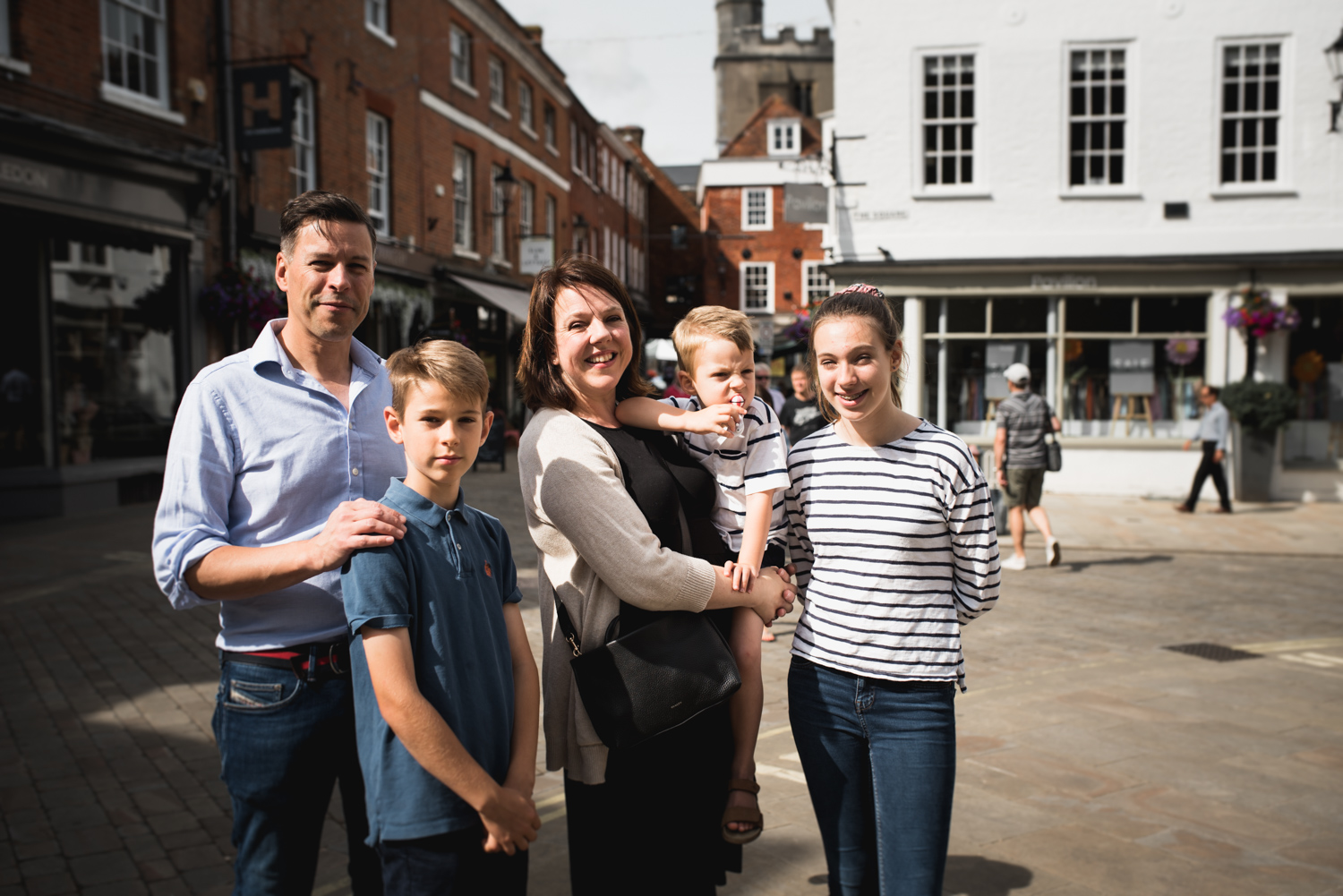 Winchester Hampshire Family Photoshoot with Older and Younger Children by Photographer Evie Winter