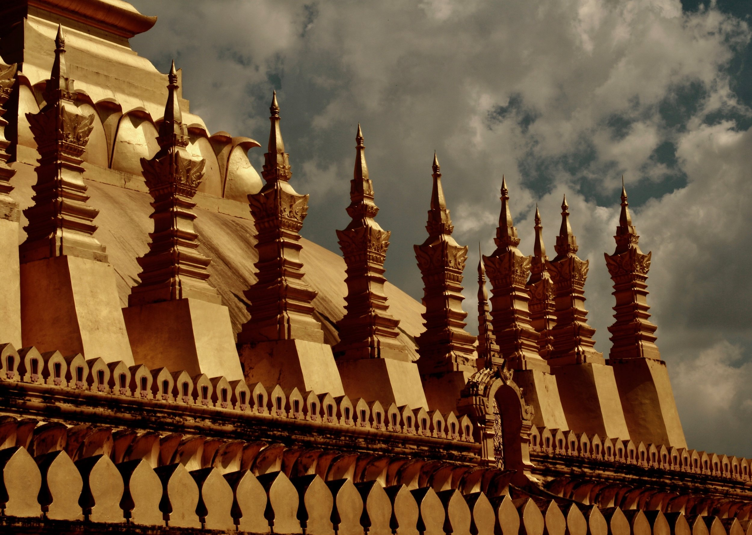 Things-Laos Golden Temple.jpg