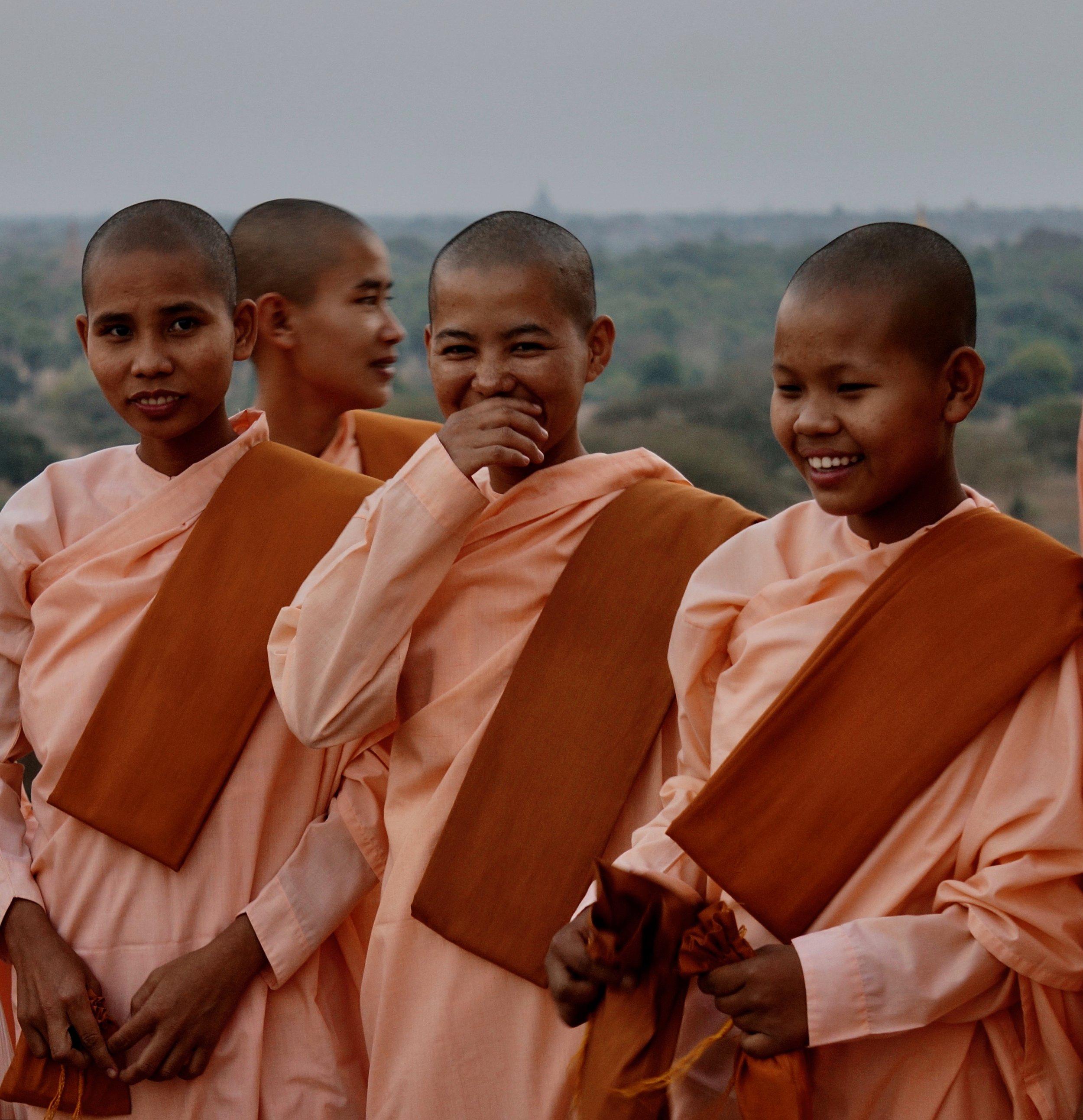 People-Burmese Nuns.jpg