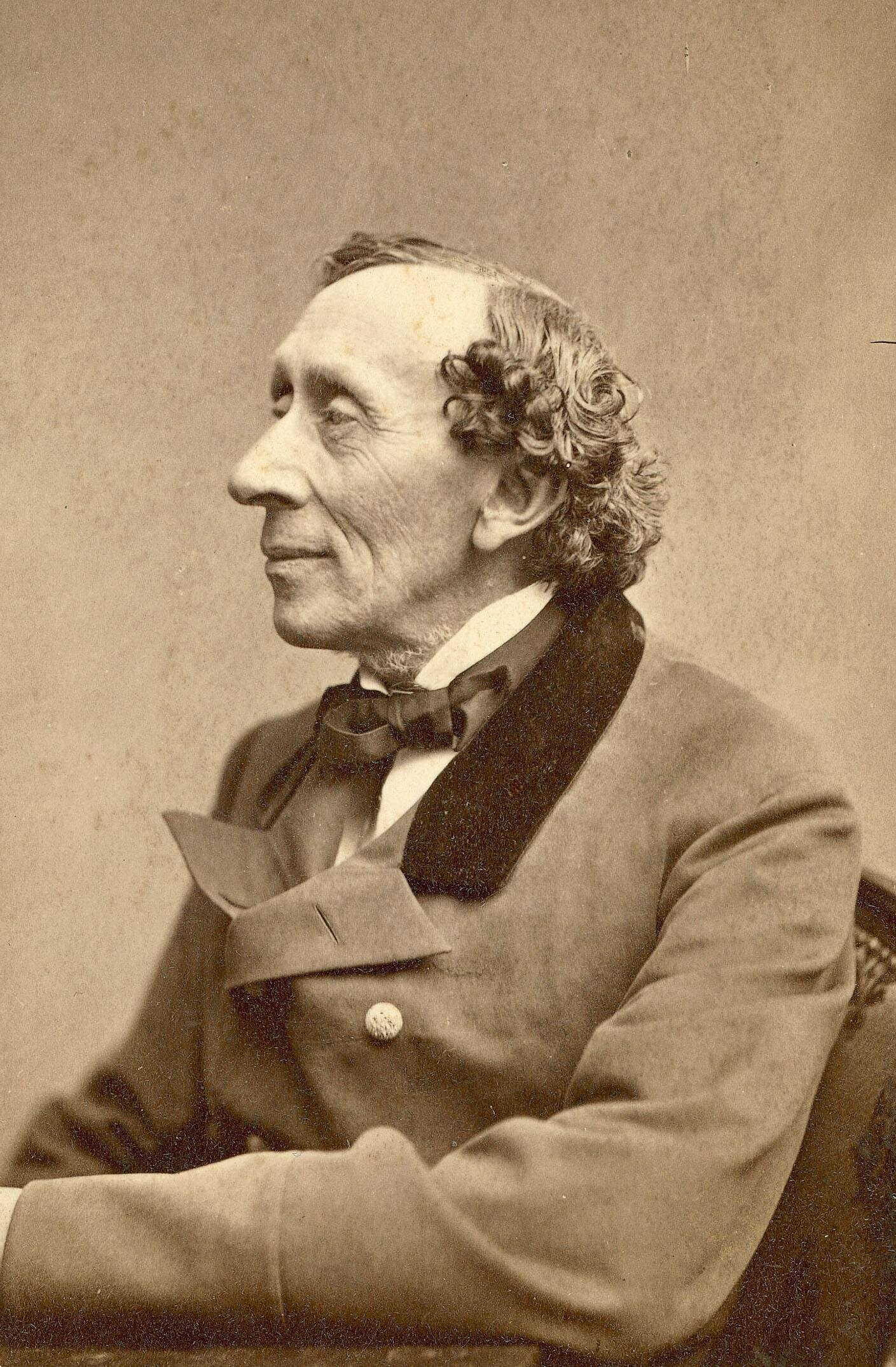 Photograph  of Hans Christian Andersen, taken by Thora Hallager, 1869,