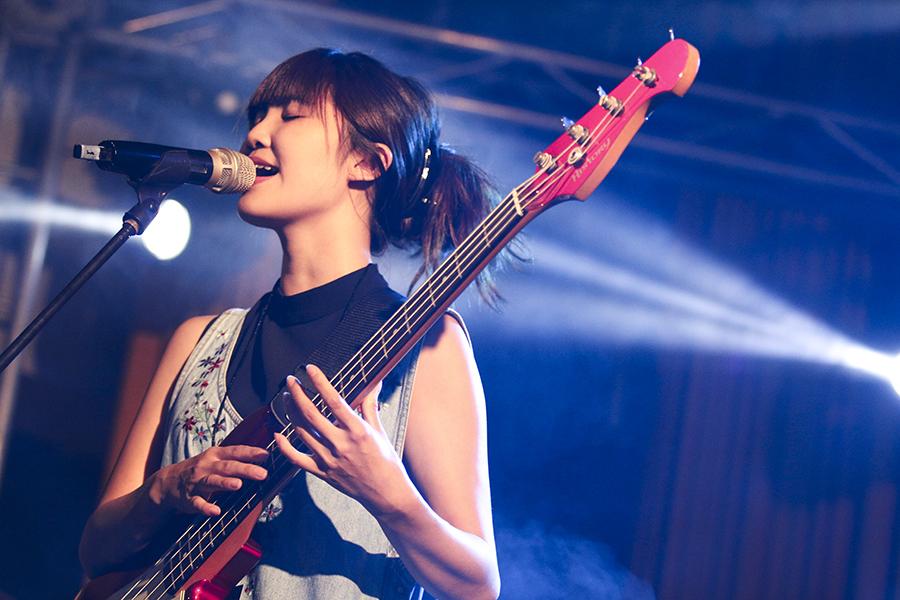 Tif (Bass, Vocals)