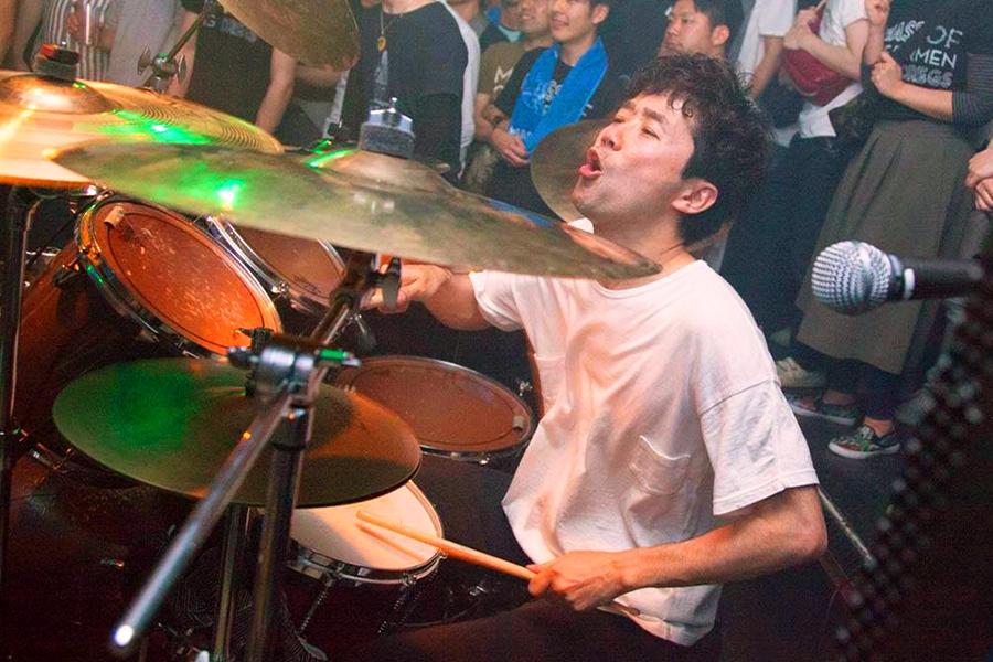 Yoshino Isao (Drums, Chorus)