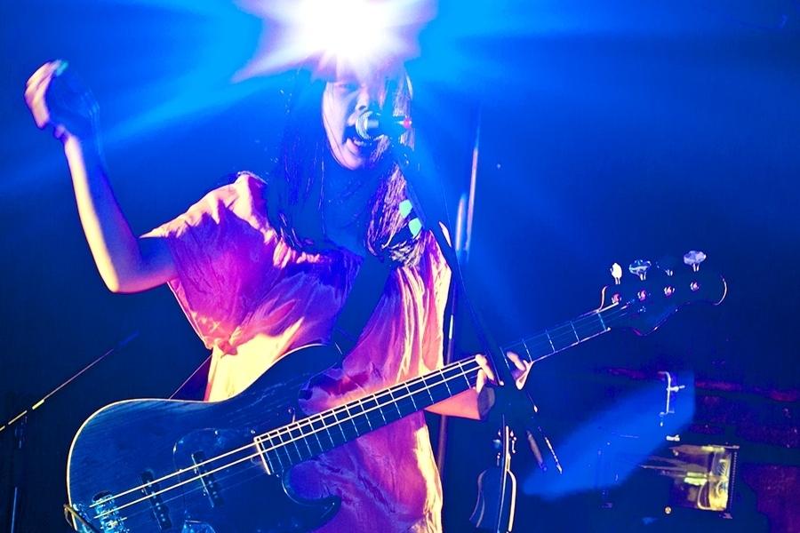 Natsuko Miyamoto (Bass, Vocals)