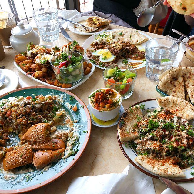 paranoid void & Natsuko (MASS OF THE FERMENTING DREGS) eating the best breakfast in Toronto!! @mahasbrunch  #paranoidvoid #massofthefermentingdregs #motfd #mahasbrunch #nextmusicfromtokyo #nmft #whereisSteve?