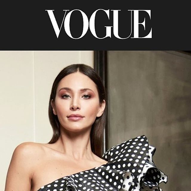 Hair and makeup glam for @tadashishoji for @voguemagazine @voguerunway  Shot by @ezekiel__w @tak.mrk  Creative director @emmacita  @johnalvinb Styled by @giulianacrescentini  Designer @pialindsay  Models @raquelsantolaya
