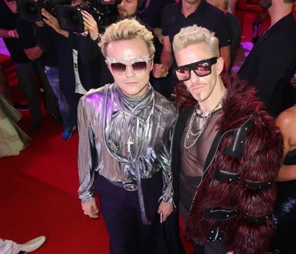 The Life Ball 2018 - The Life Ball is one of the biggest and most spectacular charity events in the world.The annual Ball is held in Vienna, Austria and supports people internationally with HIV or AIDS.Aye Aye was honoured to be featured at the event by Out Magazine's Chief Editor, Kurt Osenlund.The style icon Kurt was featured on the red carpet in Aye Aye Galactic Halo Shades. Along side him was music NYC sensation Baby Yors, featured in Aye Aye Bling Queen Shades.