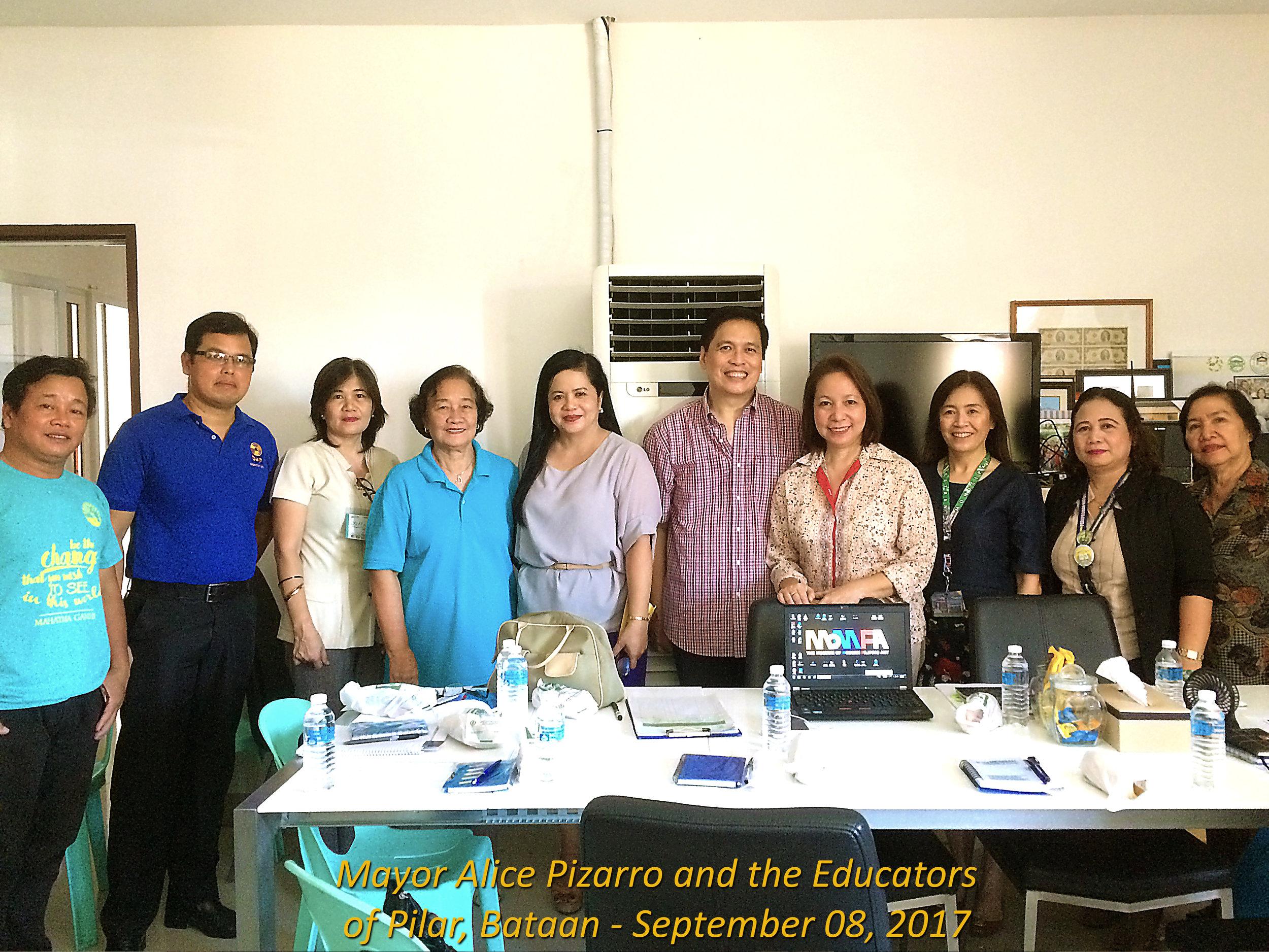 01 Mayor Alice Pizarro & Educators.jpg
