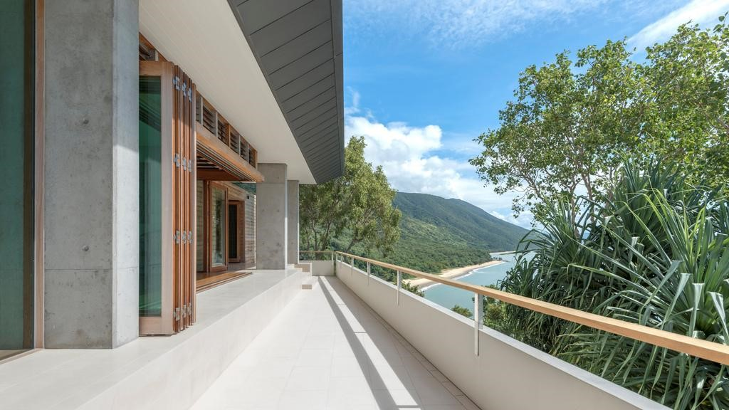 TPG Architects Palm Cove Residence 8.jpg