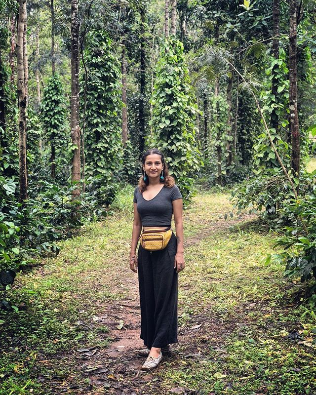 Decked up for Chikmagalur 🌿 The place is known for its ages long coffee plantation and scenic view of Babudan Giri Ranges. @karnatakaworld . . . @mita.h.singh  #travelbugbytes @cntravellerindia @tripotocommunity @incredibleindia @lonelyplanetindia @historytv18 @natgeoindia @natgeotravel @dametraveler  #India #TravelIndia #Travel #InstaTravel #Travelgram #GlobeTrotter #TravelBlog #TravelBlogger #TravelPhotography #Backpacker #Outdoor #Roam #TravelGuide #Traveller #ExploreIndia #Earth #GoodVibes #TourThePlanet #Wanderlust #Apple #ShotOniPhone #iPhonePhotography #CNTGiveItAShot #NatGeoYourShot #TripotoFeaturedTraveller