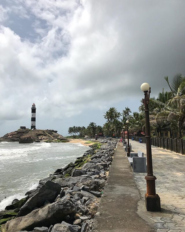In the south-west of Karnataka are the less explored sites of Udupi. It is majorly known as a pilgrimage site for the 13th century Lord Krishna temple. But apart from the mythology it is a beautiful location lying amidst the Arabian Sea and Western Ghats.  @karnatakaworld . . . @mita.h.singh  #TravelBugBytes  @cntravellerindia @tripotocommunity @incredibleindia @lonelyplanetindia @historytv18 @natgeoindia @natgeotravel @dametraveler  #India #TravelIndia #Travel #InstaTravel #Travelgram #GlobeTrotter #TravelBlog #TravelBlogger #TravelPhotography #Backpacker #Outdoor #Roam #TravelGuide #Traveller #ExploreIndia #Earth #GoodVibes #TourThePlanet #Wanderlust #Apple #ShotOniPhone #iPhonePhotography #CNTGiveItAShot #NatGeoYourShot #TripotoFeaturedTraveller