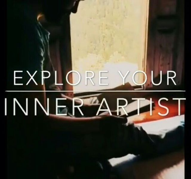We are not saying that if you love art and trav then you must join this weekend getaway.  All we are saying is that If you love the idea of exploring your Artistic side and that too in the middle of mountains then - You must Join in :D  Last 4 spots left.  Registration link in bio 💙  PS : we have a buddy discount too if you are joining in with your friends!! Mentors :. @doodlesbyhimani  @thecraftsutra  Dates - 4th - 5th May Price - 8,499 including travel, accomodation and all the meals.  All the art supplies will be provided.  Video credits : @sayannath