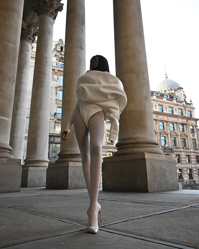 I absolutely adore this shot of @laulauloco moving in my CORE BODYSUIT captured by @chrisjdalton & @artfoliolondon with creative direction by @wiameazzouzi 🏛 #sculpture #movement