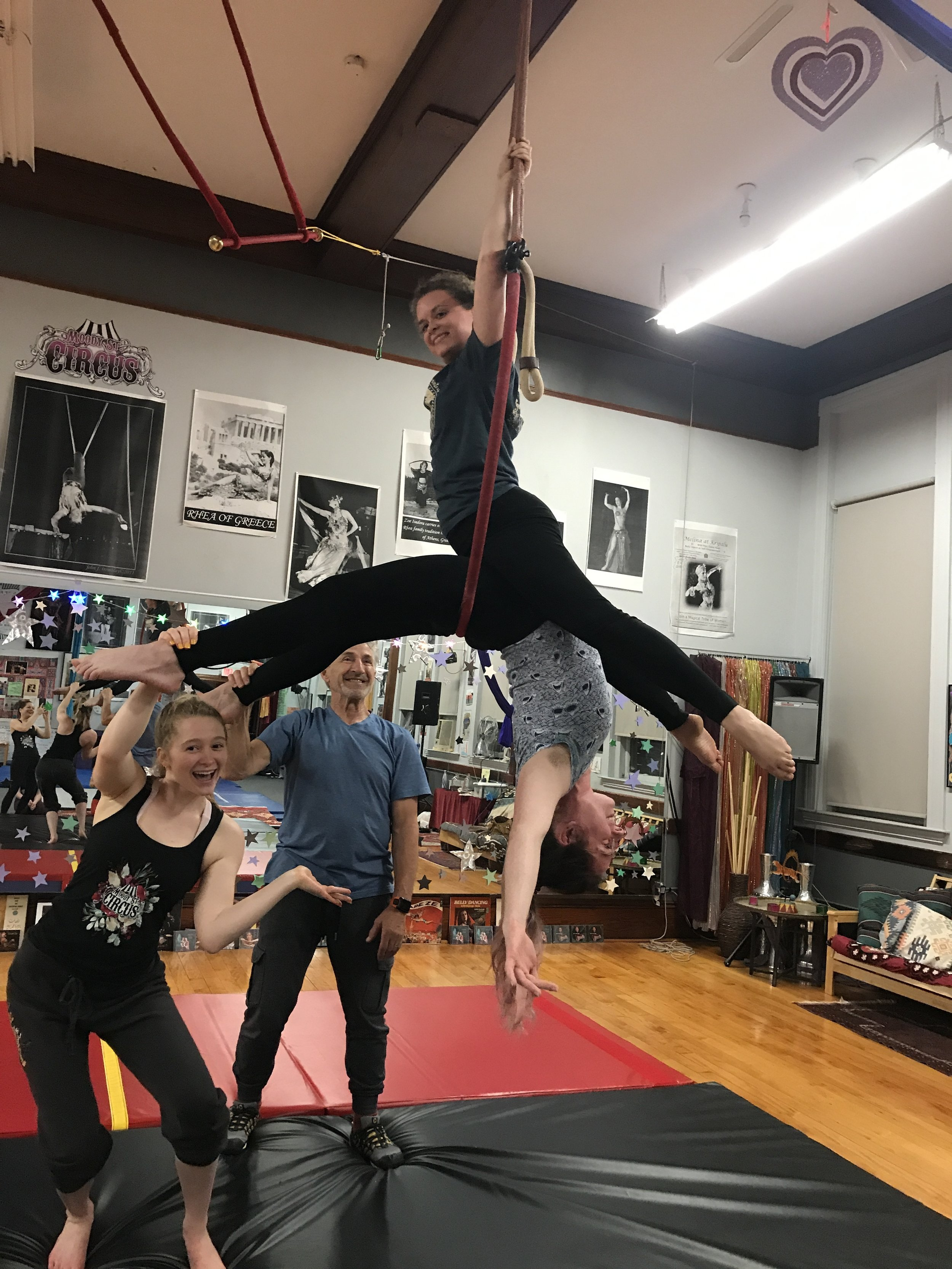 Duo Lyra Workshop at Moody Street Circus