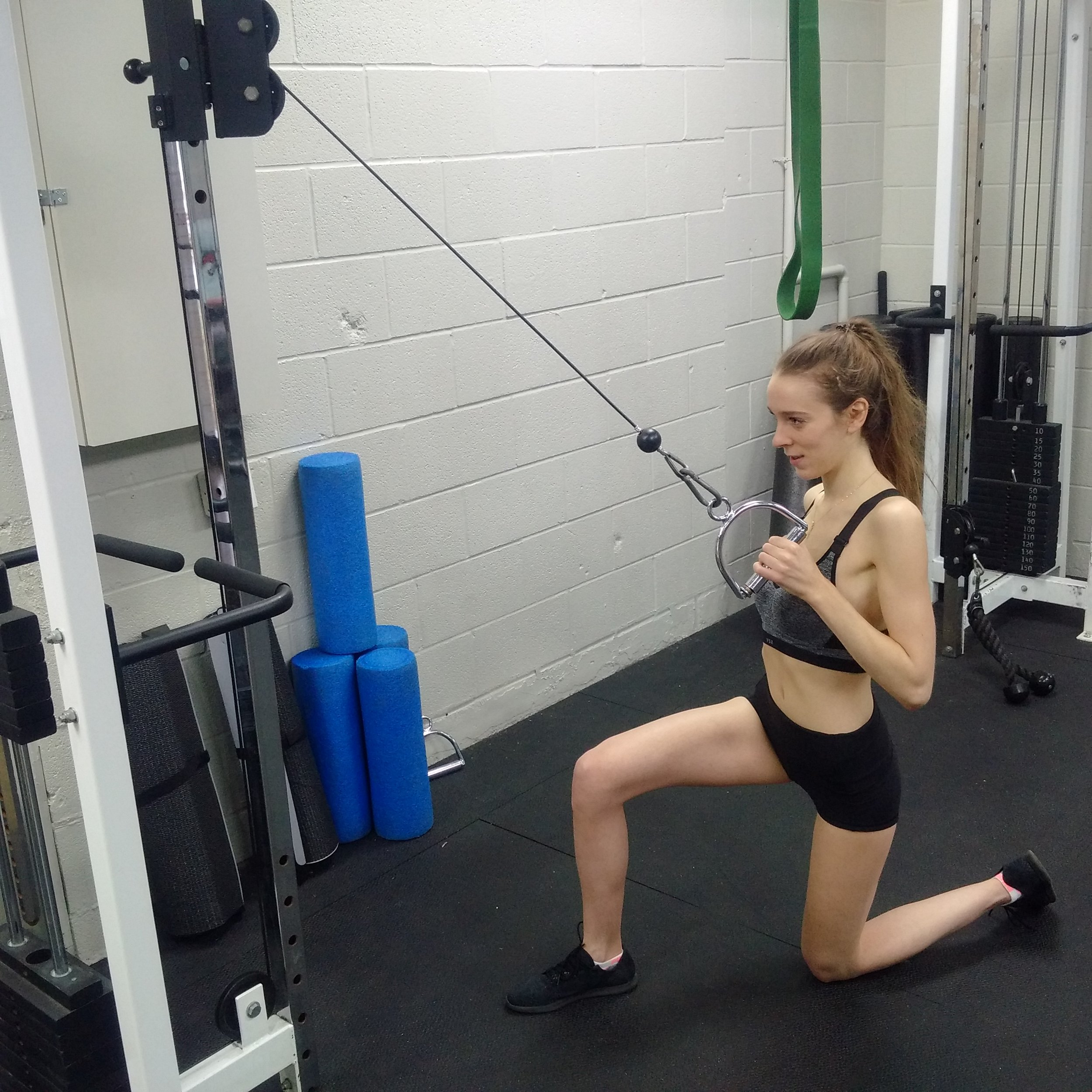1/2 Kneeling Cable Lat PUllDown