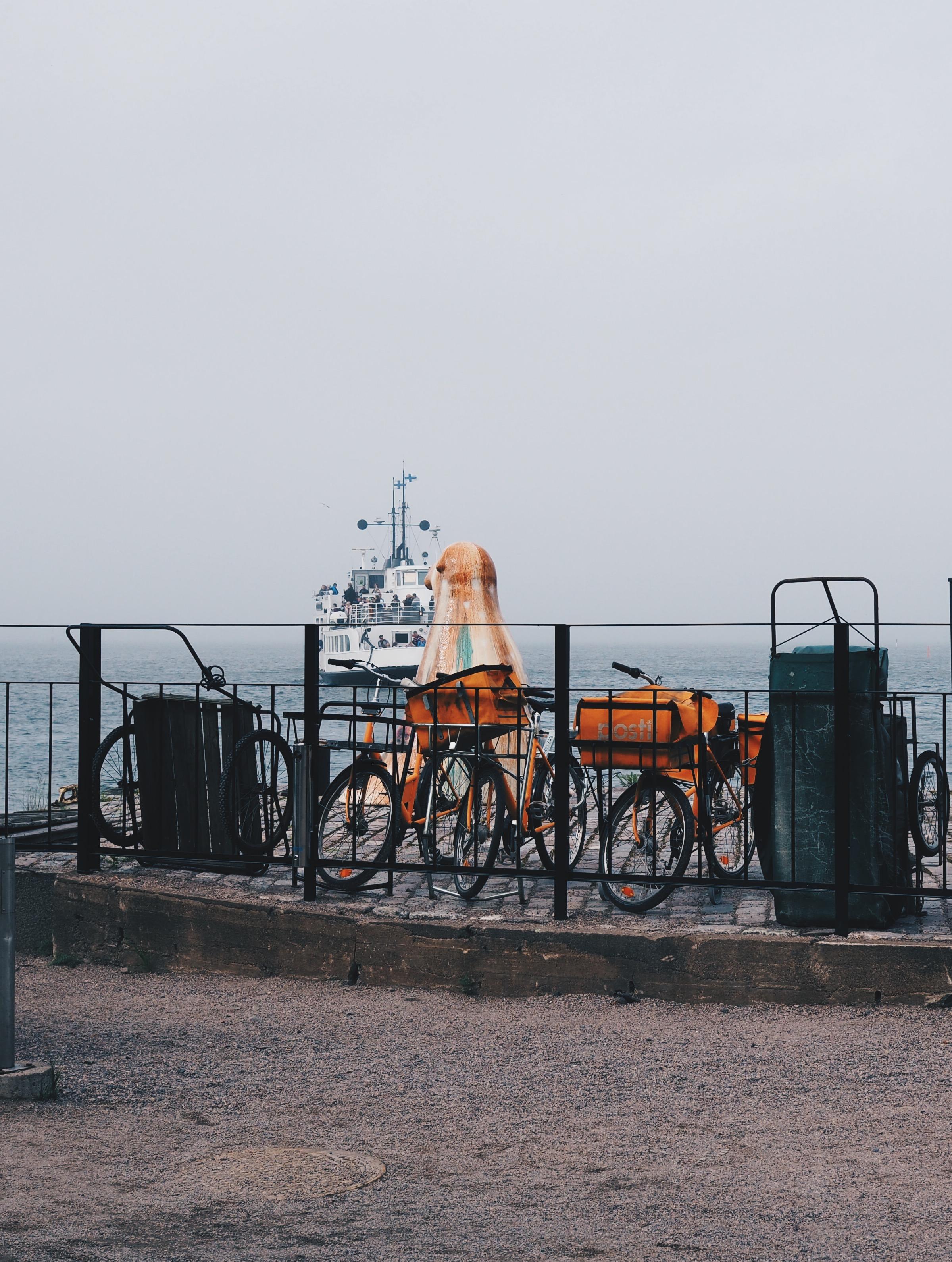 Ferry approaching Suomenlinna