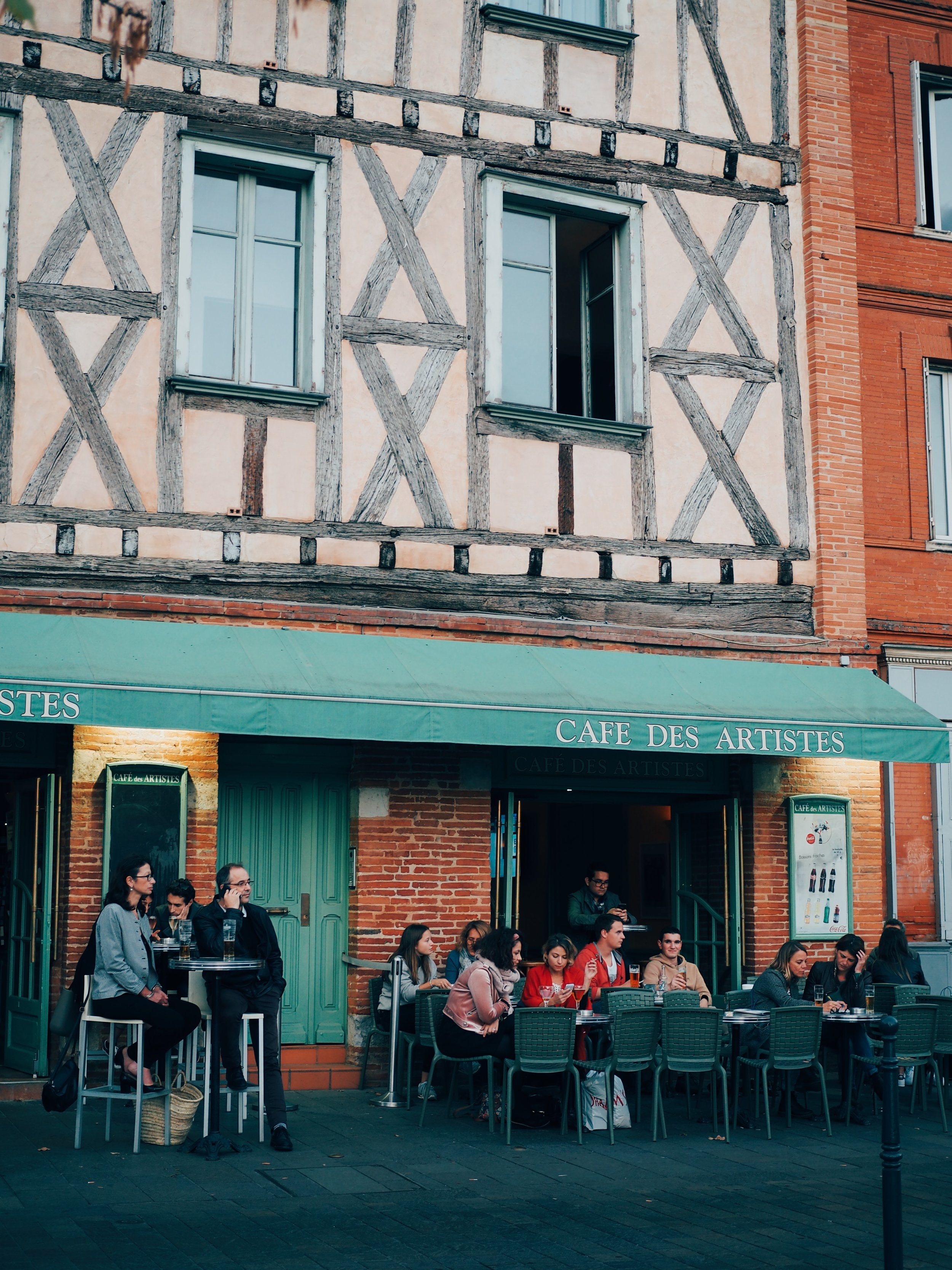 Cafe des Artistes in the evening