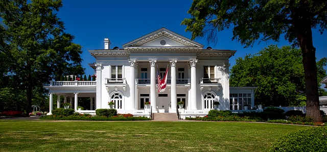 montgomery-alabama-plantation-house.jpg