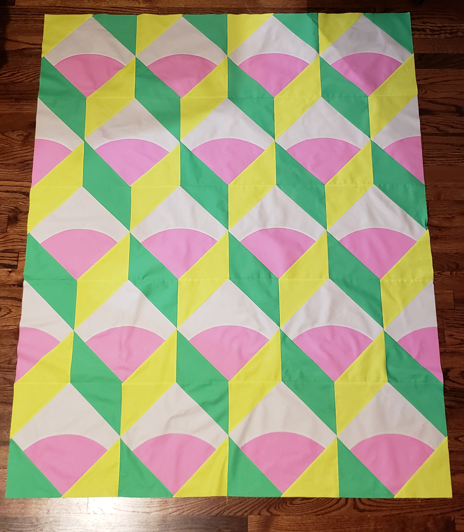 Jess  @coralbunnyandlo  made this sweet candy-colored version with all solids!