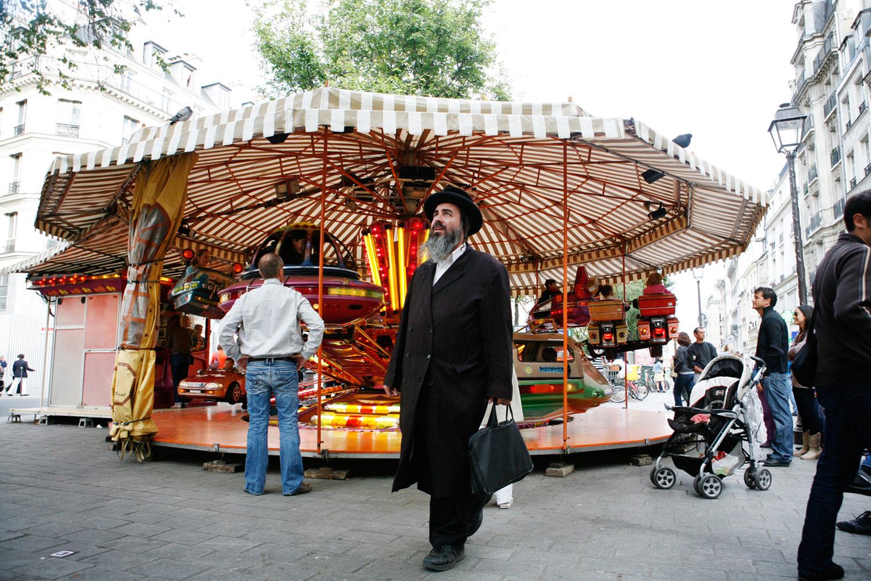 ParisStreetJuliaTimmerPhotographer.jpg