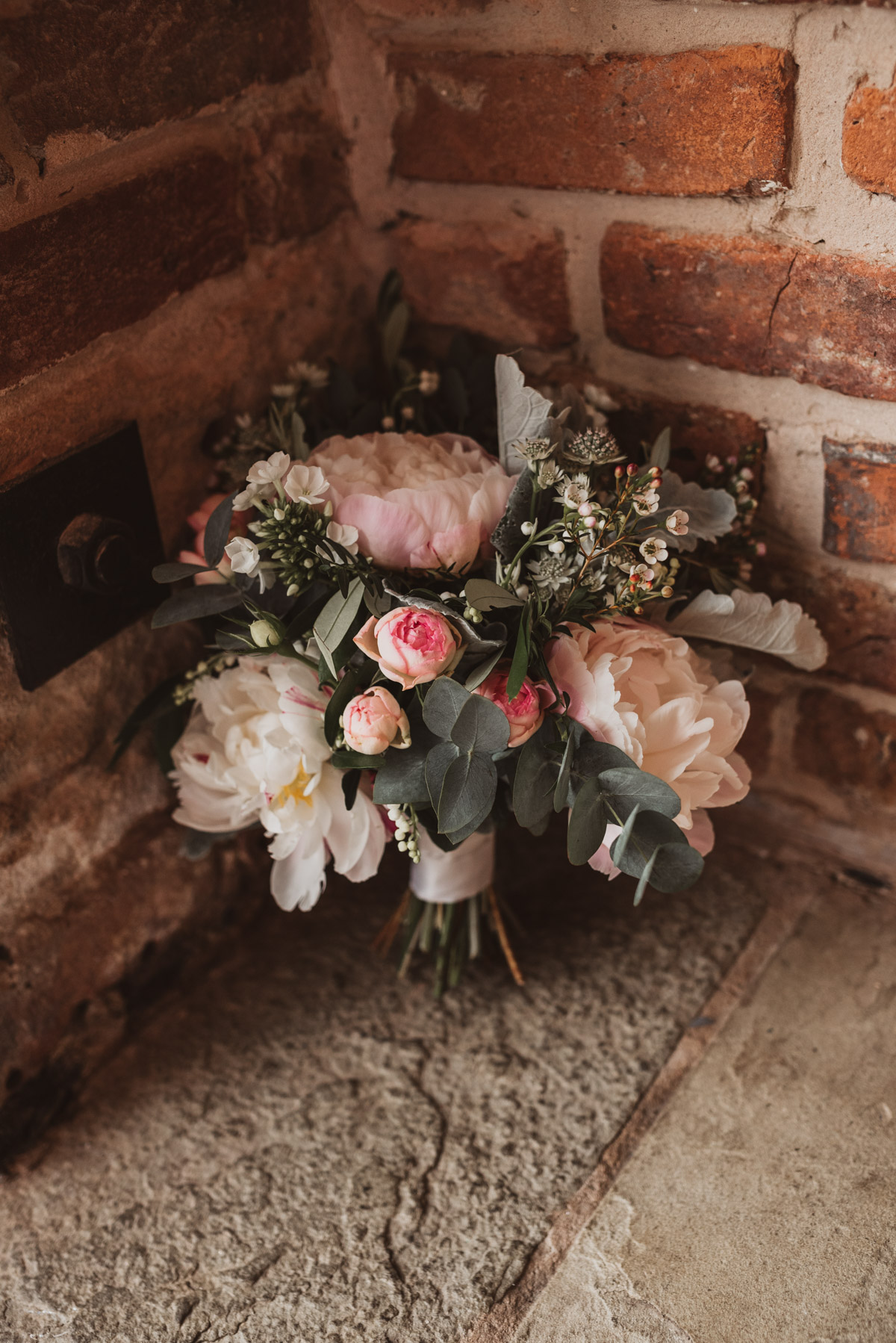 natural wedding charnock farm cheshire (10 of 117).jpg