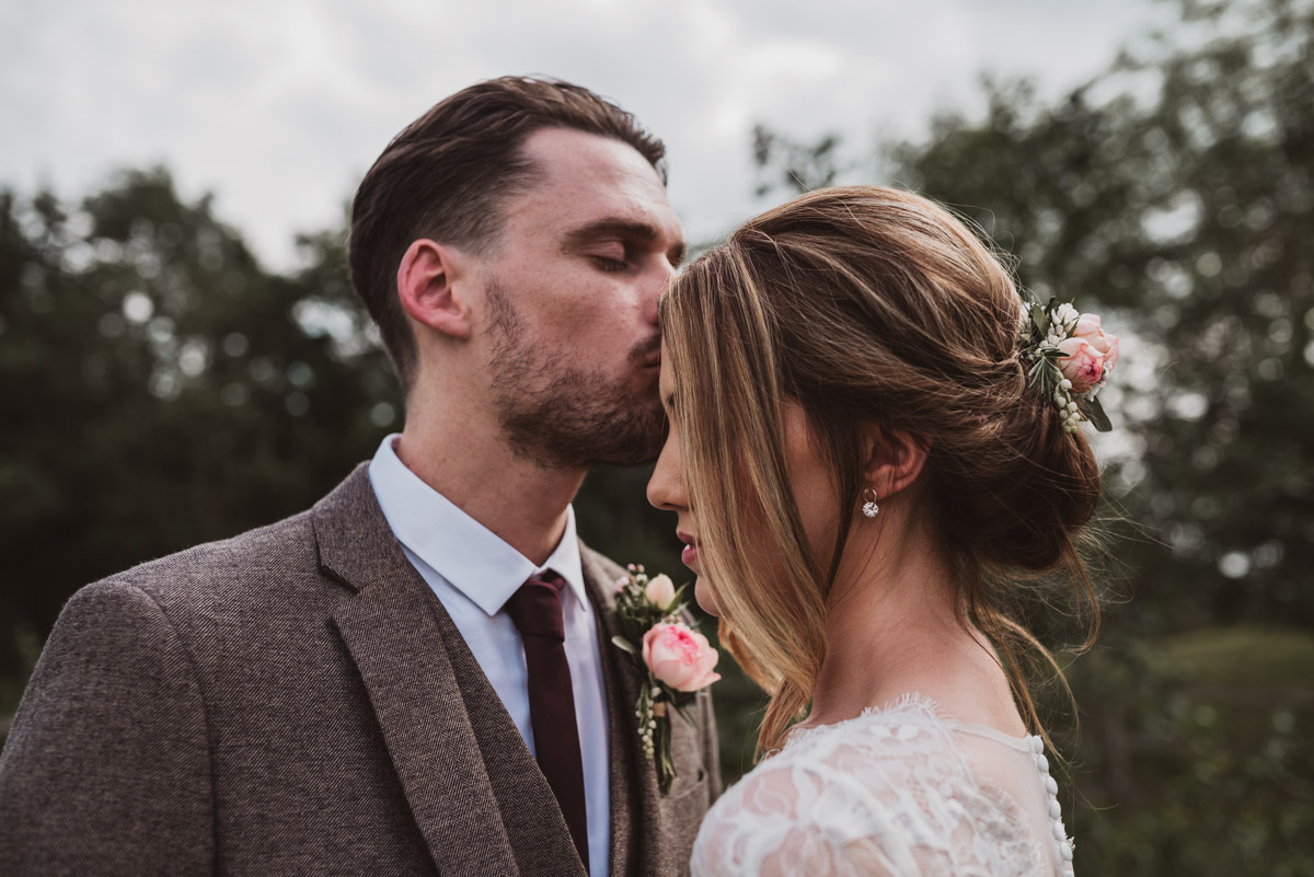 natural wedding charnock farm cheshire (68 of 117).jpg