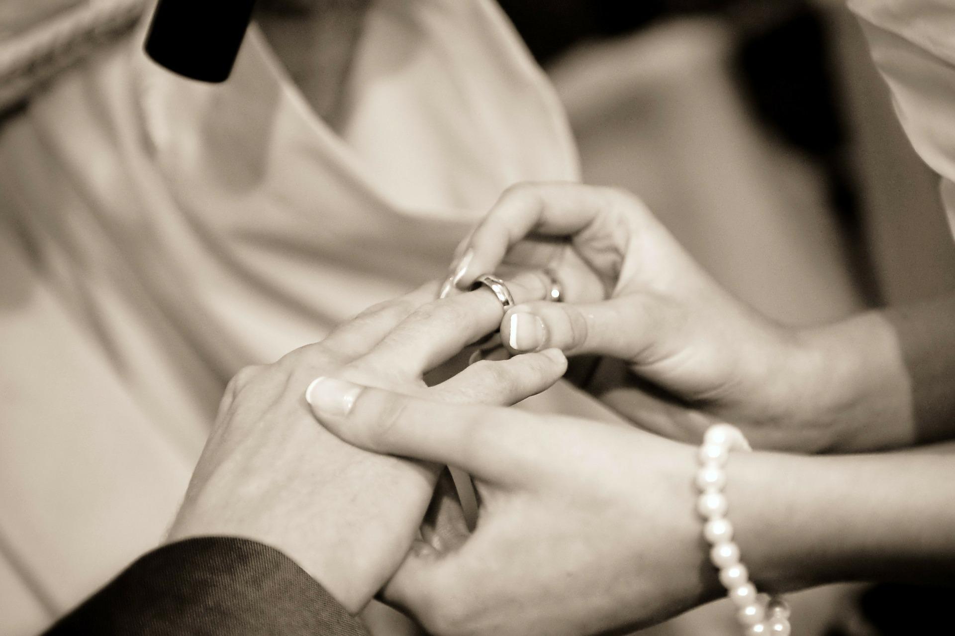 wedding-322034_1920.jpg
