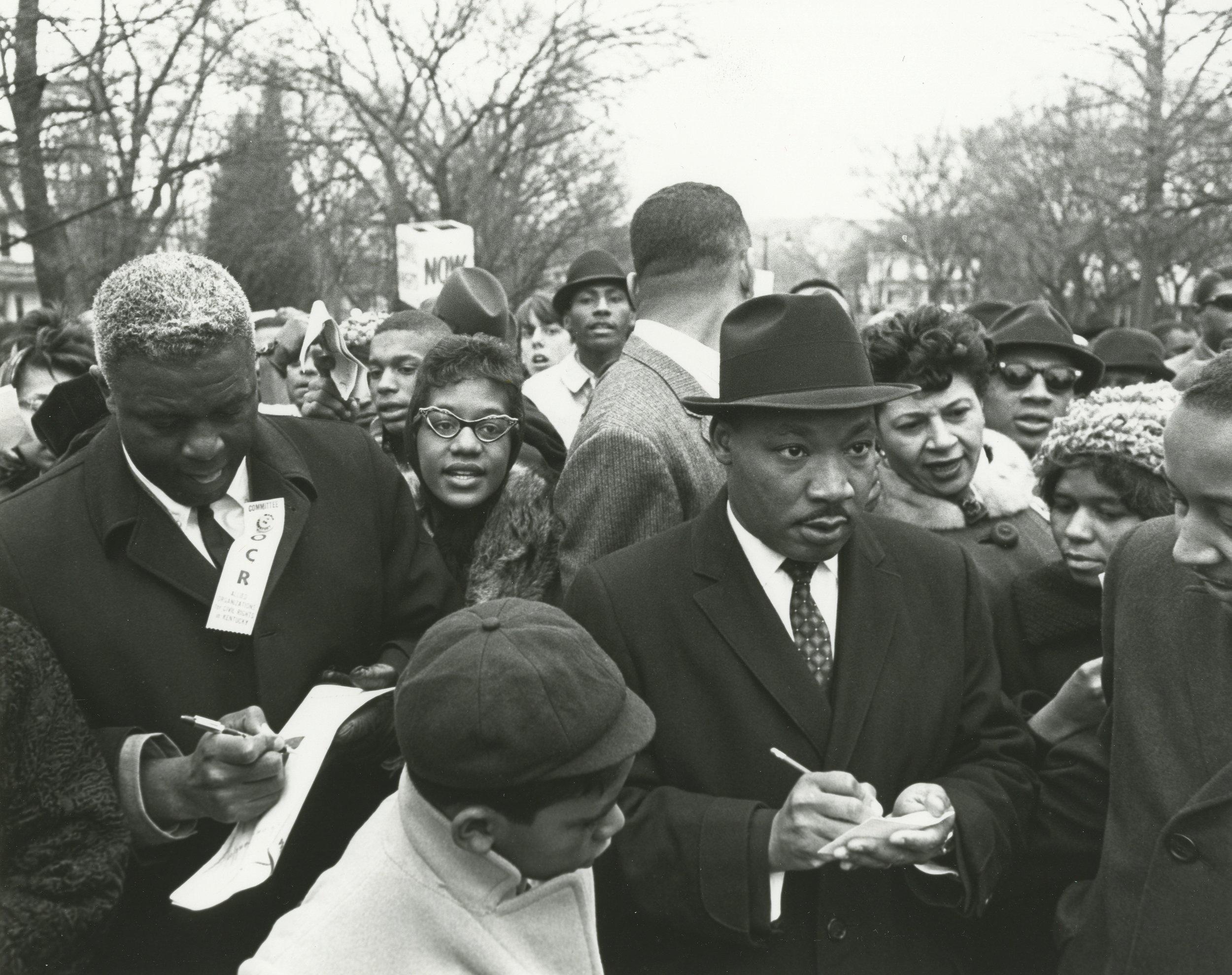 mlk-georgia-powersjackierobinson-march1964.jpg