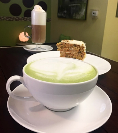 Try our hot or cold loose teas. From herbal to matcha.