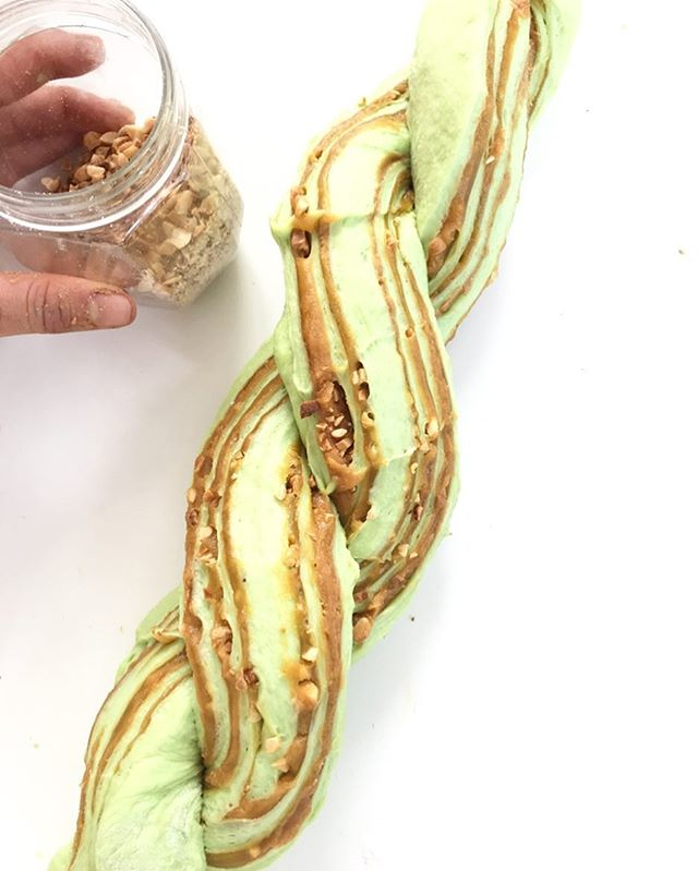 For our customers that love their morning coffee, our Pandan Peanutbutter kaya Babka is the perfect companion! Of course, it's by no means limited to breakfast. Feel free to nosh on the deeply flavored brioche-like cake generously swirled with our srikaya and peanut butter filling and topped with roasted peanuts as an afternoon snack or dessert. Accepting Babka orders Jan 17 and 18, 2017. For best taste, make sure you warm it up before you eat! ----------------------------------------------- VEGAN • DAIRYFREE •EGGFREE•PRESERVATIVESFREE ----------------------------------------------------------- For more info : WA : 081519001652  Line:  lydiawiranata ------------------------------------------------ ------------------------------------------------ #yeastbread#healthybread #veganbread #elevatebakery #elevatebakeryproject #vegancake #vegan #vegansofig #veganfoodshare #healthybars #proteinbars #whatveganseat #kuesehat #jualankue #cakeshopjakarta #healthylife #healthycake #makanansehat #makanandiet #dietsehat #jualmakananorganik #eatsandtreats#iquitsugar#veganbread#iquitsugar #eatsjakarta #rotisobek#pillowbread#loaf#breadloaf#taro#wholewheat