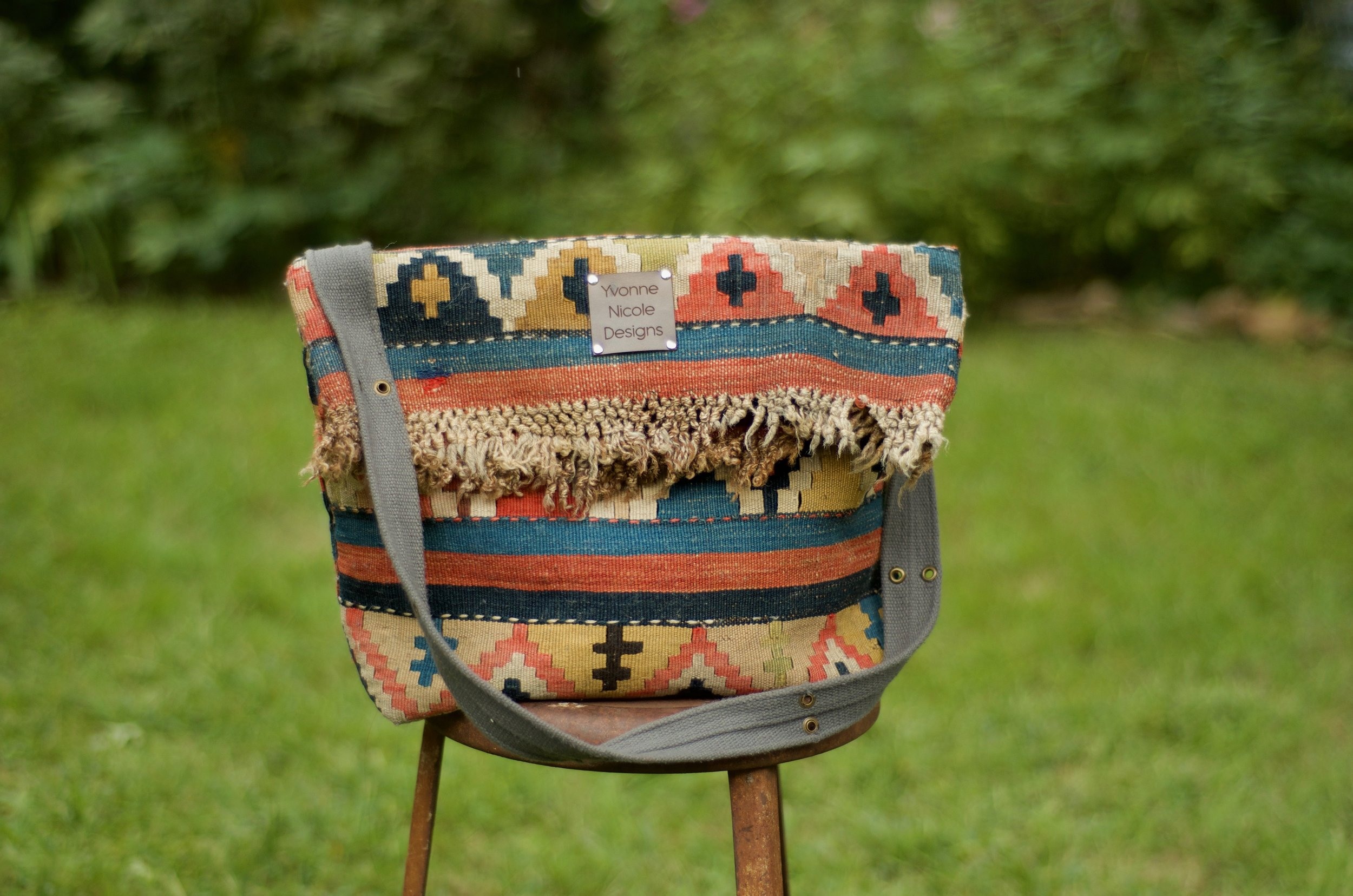 The Small Satchel in Vintage Wool Kilim