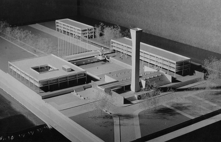 Maqueta con algunos de los edificios propuestos por Duhart para el Plan Maestro de la Universidad de Concepción