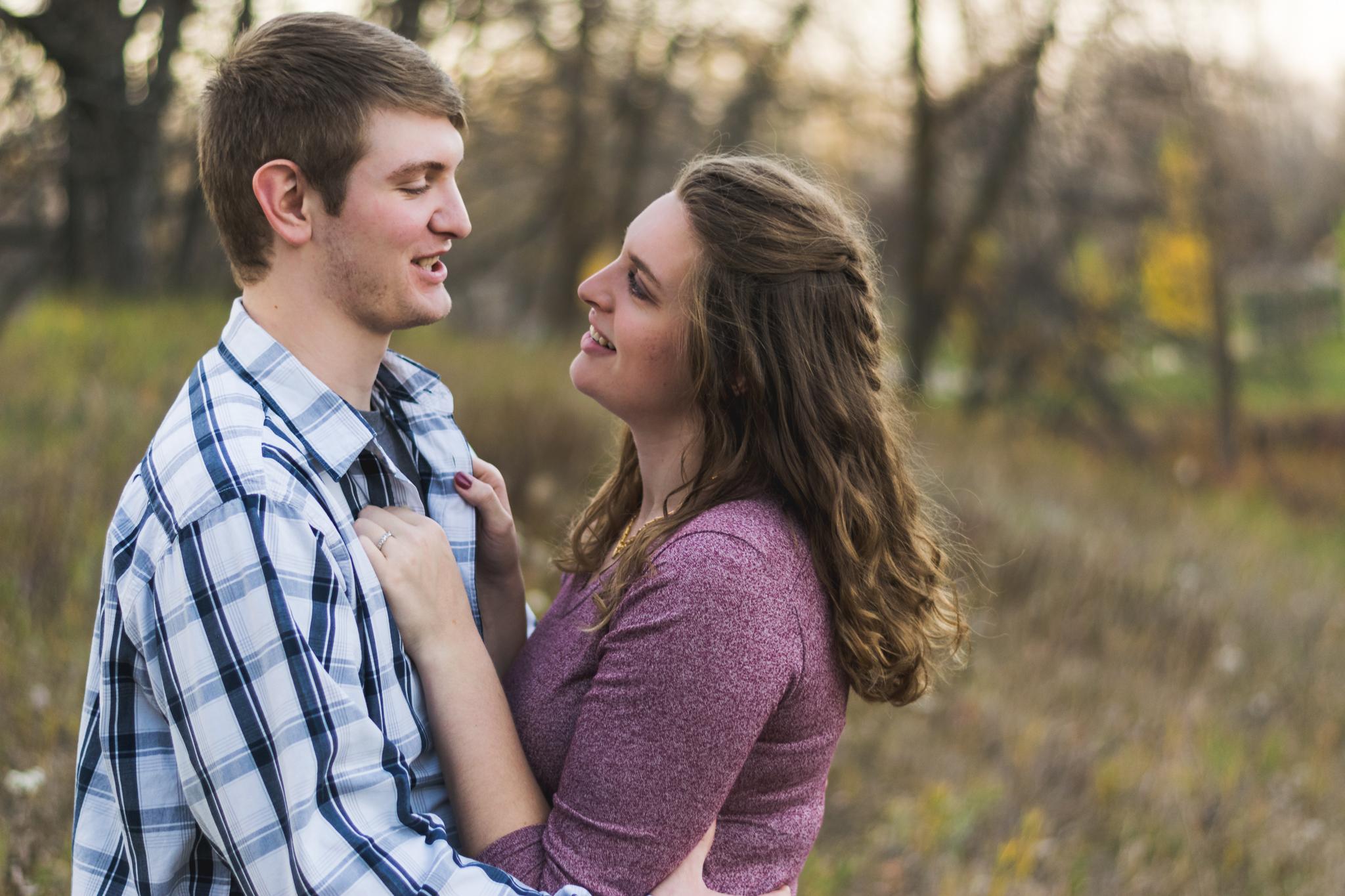 Fargo, North Dakota Engagement Photographer | Chelsea Joy Photography