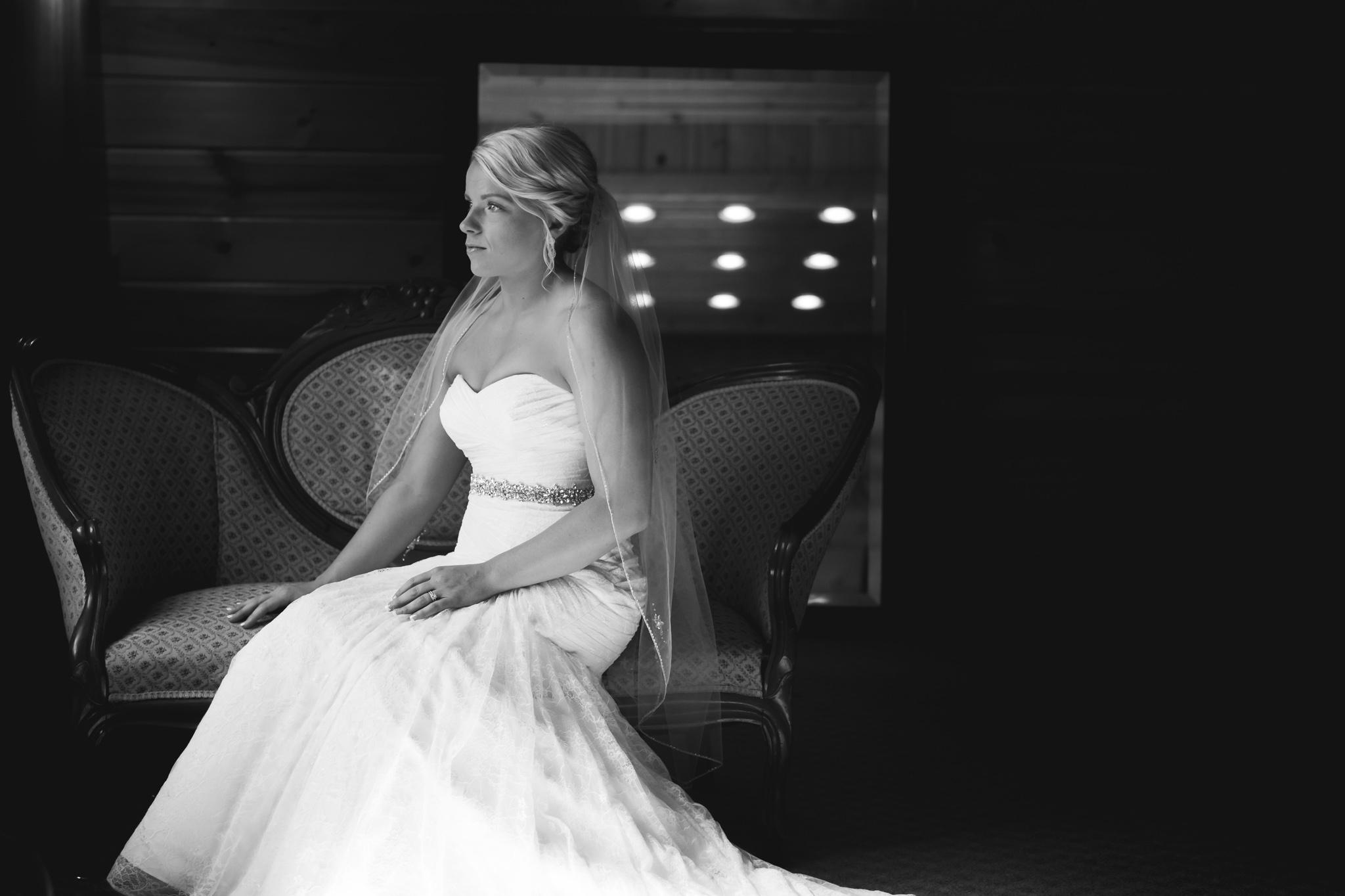 Bridal portraits.Fargo, ND Wedding Photographer | Chelsea Joy Photography