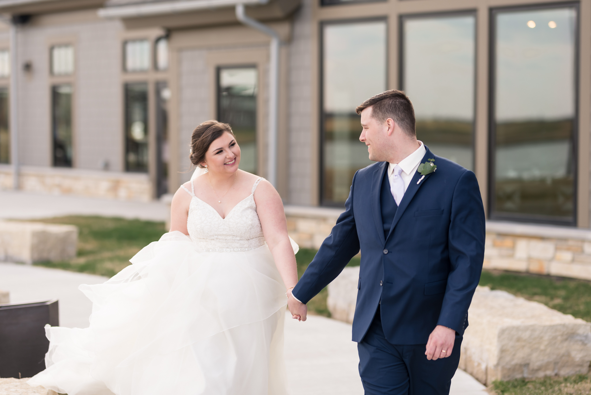 Oxbow Country Club Wedding by Fargo Wedding Photographer Chelsea Joy Photography