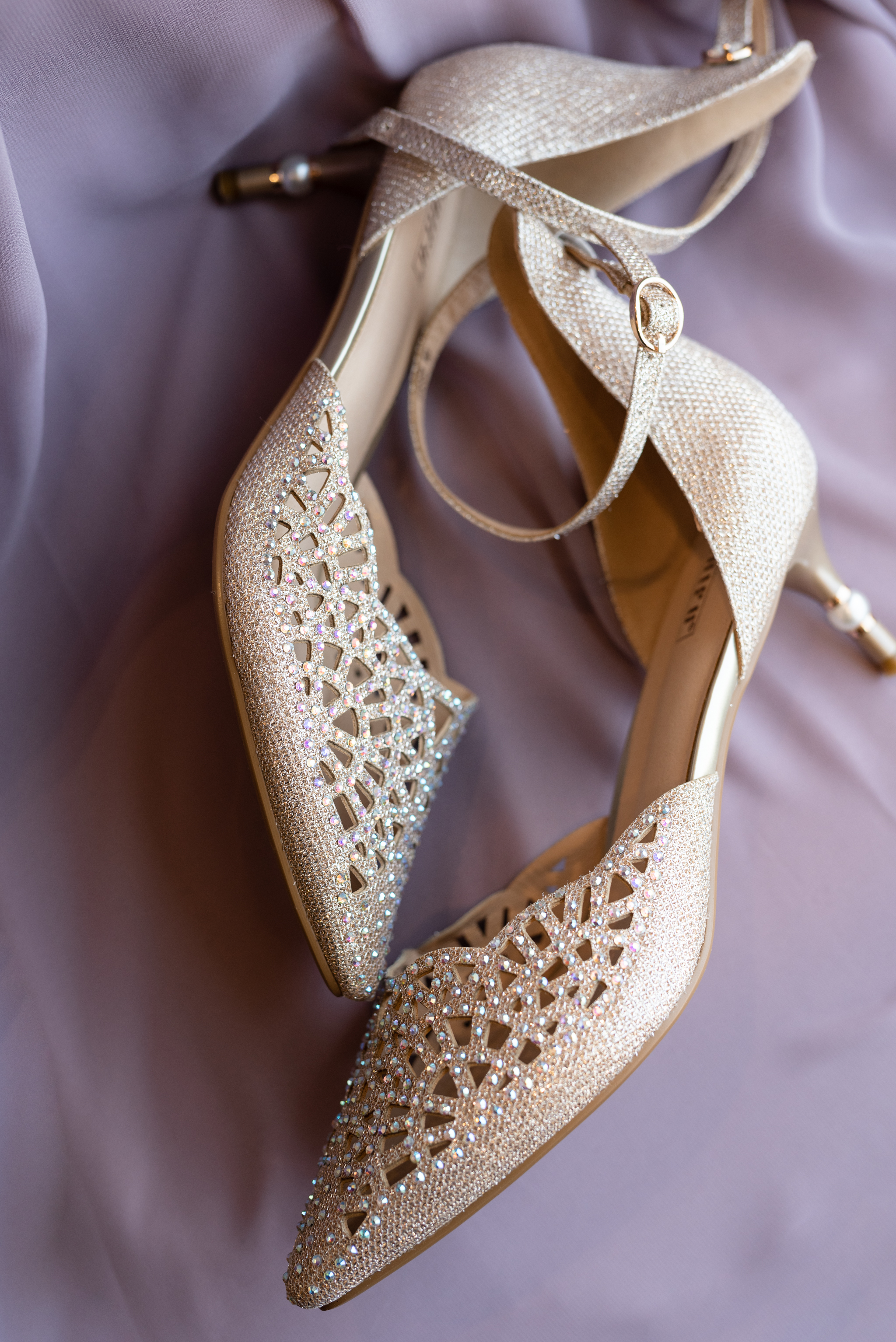 Wedding shoes from Oxbow Country Club Wedding | Fargo-Moorhead Wedding Photographer