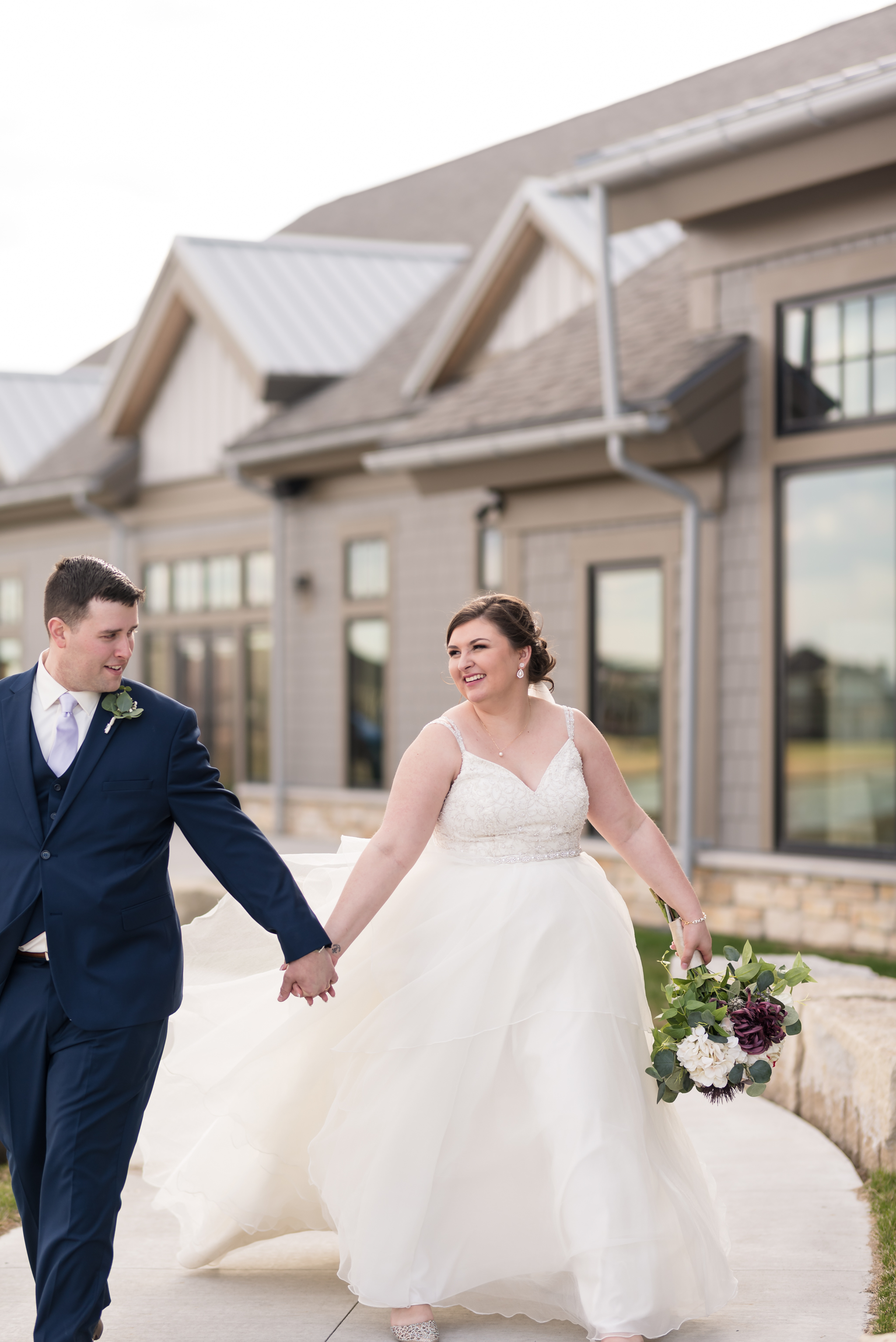 Spring Wedding | Fargo-Moorhead Wedding Photographer